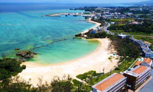 「ベストウェスタン沖縄恩納ビーチ」はお魚さんも出没するレアスポ!