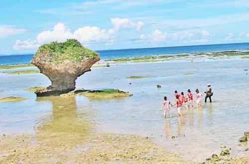 「渡具知ビーチ」bbqに夕日観賞も楽しめる自然の海!