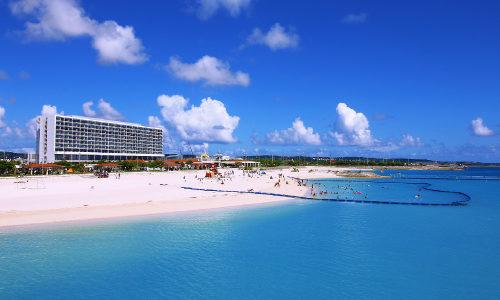 「美々ビーチ」マリンスポーツで沖縄の海を遊び倒せ!