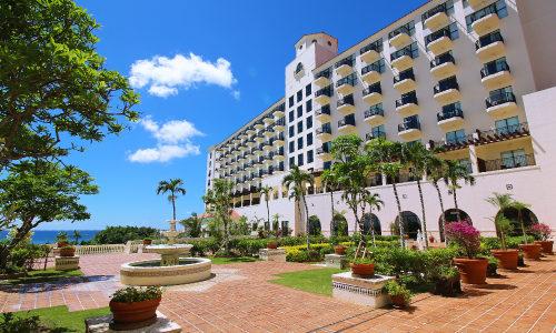 「ホテル日航アリビラ」ニライビーチは海水浴OK!お魚鑑賞も楽しめる