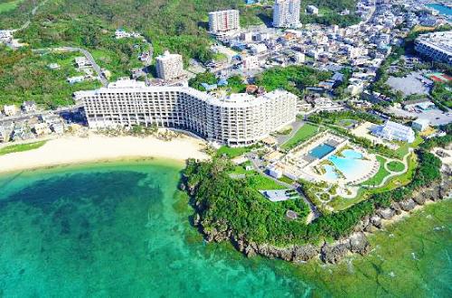 「ホテルモントレ沖縄」プールも楽しい大人も子供も全力で遊べ!