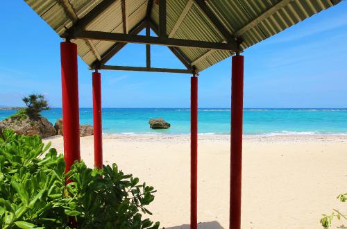 「オンザビーチルー」自然のエメラルドが旅人の心を癒やす!