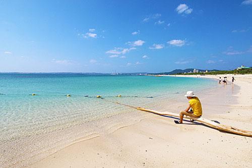 「伊芸海浜公園」BBQもできる広大な海岸線!目の前は青い海!