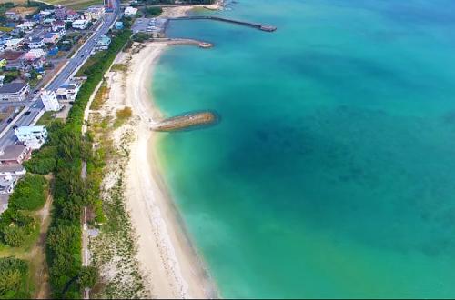 「屋嘉ビーチ」漁港のお隣は広大なビーチが広がっていた!