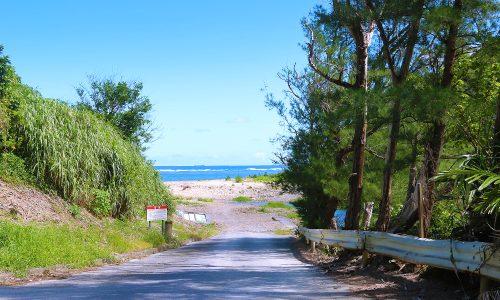 「天仁屋ビーチ」キャンプ自由。海上カヌー散歩も楽しい天然の海!