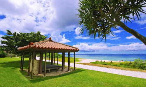 「宇座海岸」こんな所に沖縄の穴場ビーチがあった!癒され度100%