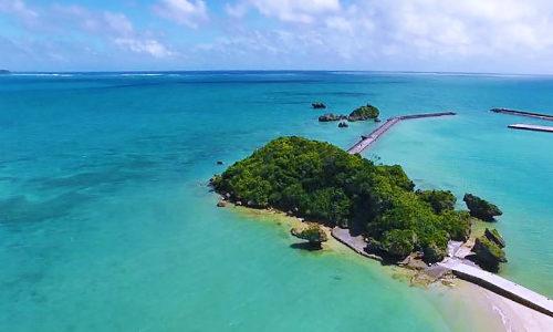 「アマミチューの墓」海上にあるパワースポットは島民の聖域!